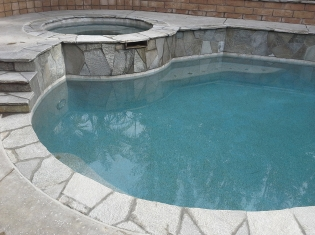 Freeform Pool with Raised Spa (1)